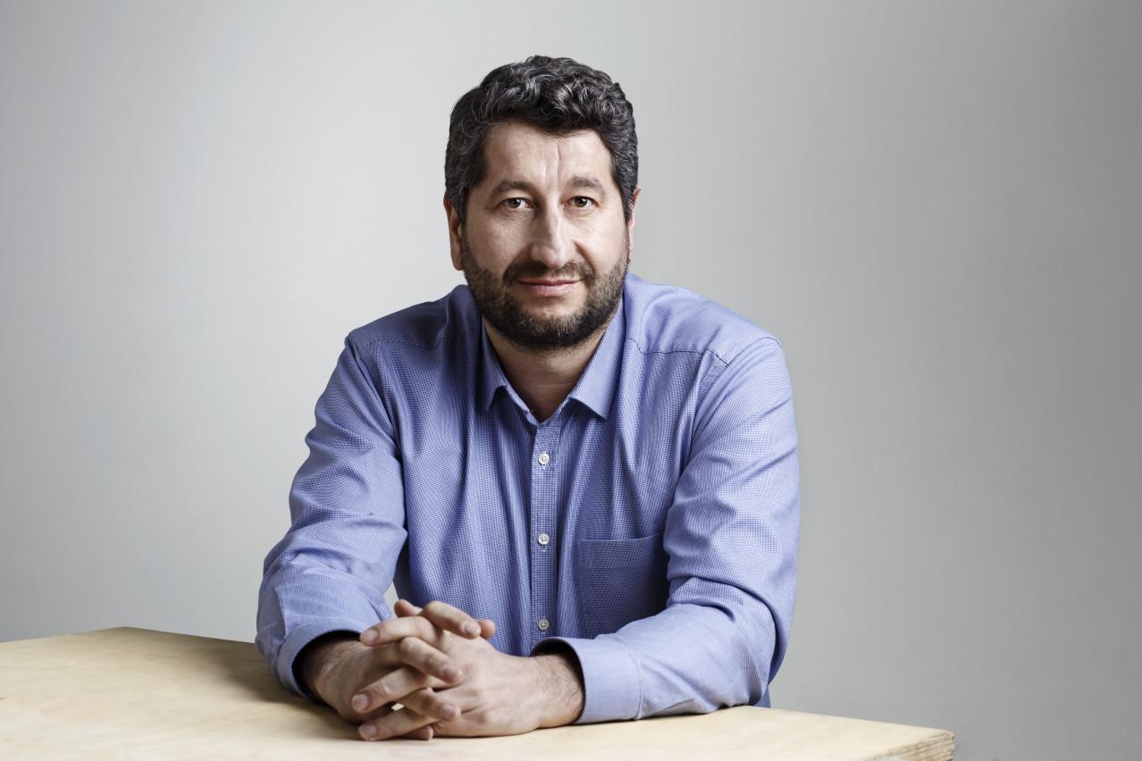 """Да, България!"" внесе нова жалба в ЦИК срещу нарушения на ""Телеграф"""
