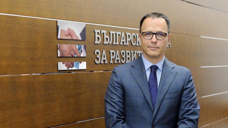 Демократична България иска отстраняването на Мавродиев от ББР
