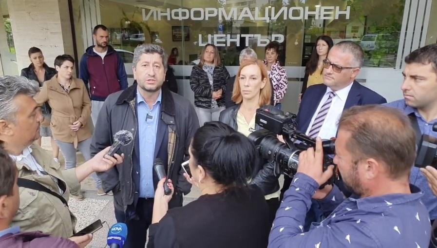 Христо Иванов в Нова Загора: Подкрепяме свободата да протестираш и да дишаш