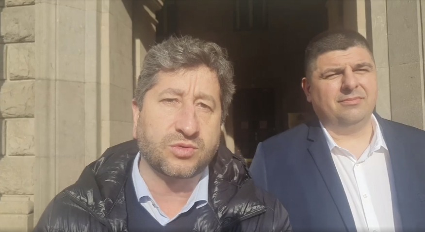 Христо Иванов: Бойко, купѝ медицински хеликоптери с парите за Доган