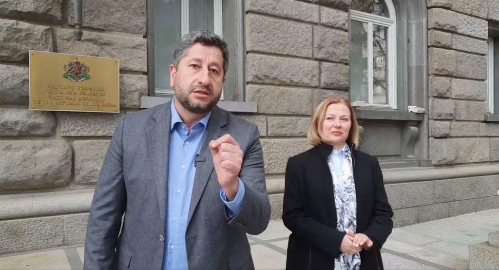 """Христо Иванов: """"Демократична България"""" ще обжалва възпрепятстването на излъчването на броенето на бюлетините"""
