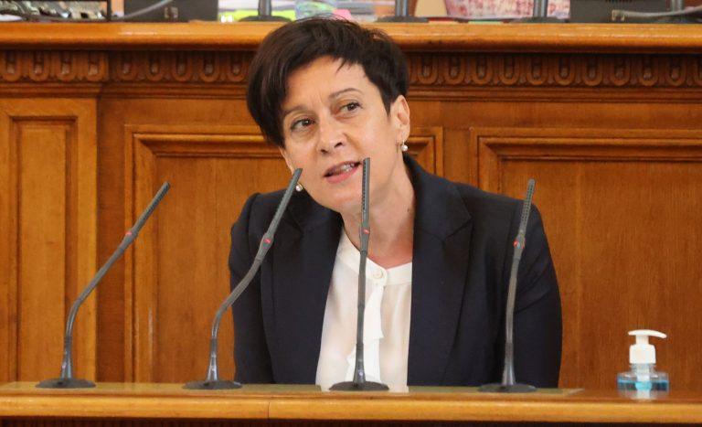 Транспортният министър не даде убедителни отговори за удълбочаването към теца на Доган