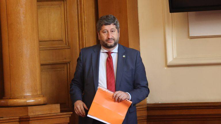 Христо Иванов: Под никаква форма няма да бъдем част от управление заедно с ГЕРБ или ДПС