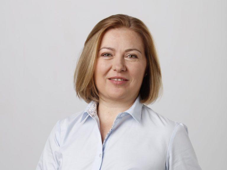 Надежда Йорданова: Ива Митева пренебрегва волята на над ⅕ от народните представители